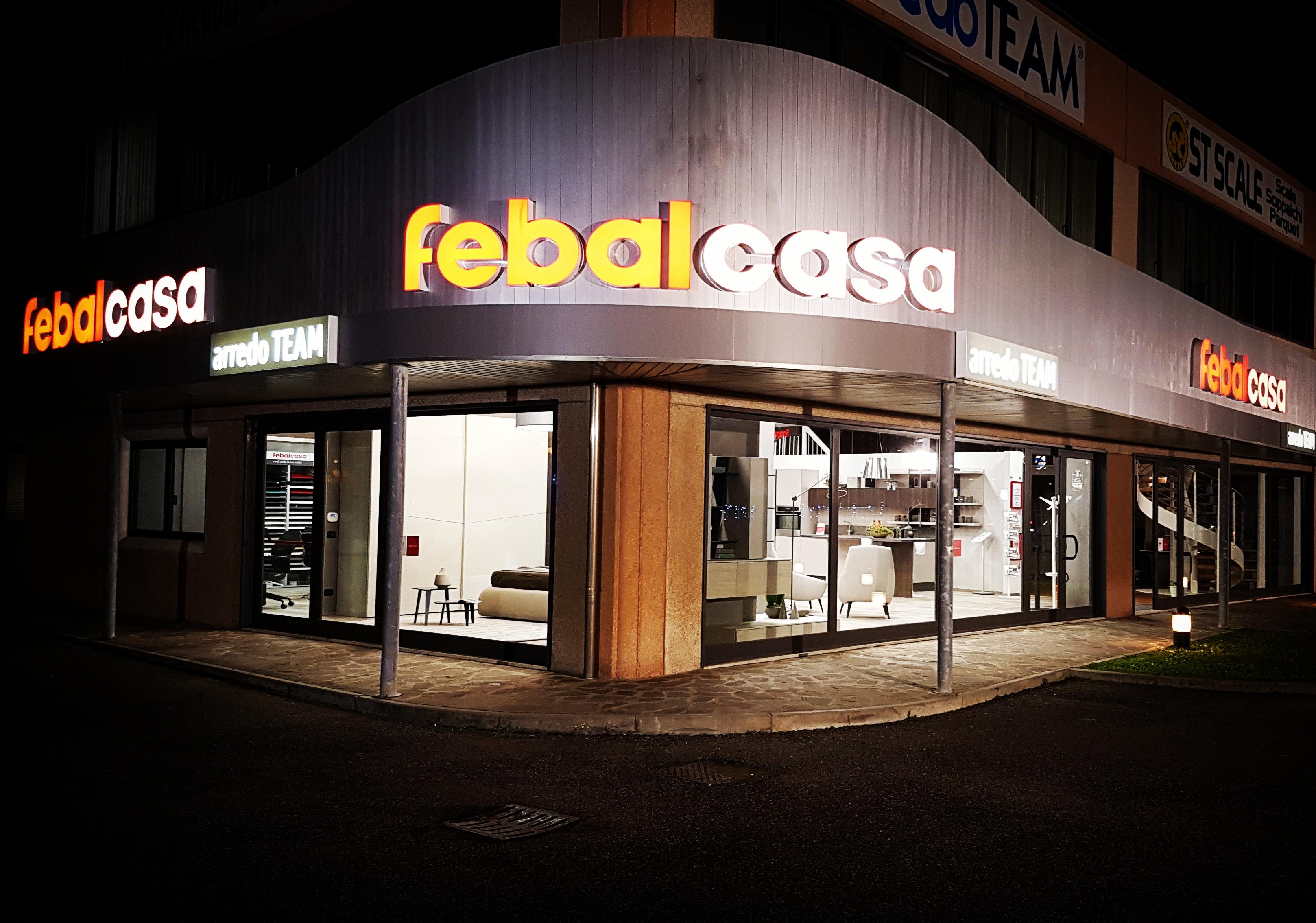 Awesome arredo team with negozi arredamento casa for Arredamento natalizio casa